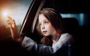Картинка авто, взгляд, стекло, капли, девочка, Belief in miracles