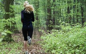 Картинка woman, woods, runnin