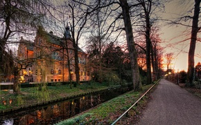 Картинка дорога, деревья, Crabbehof, замок, огни, Нидерланды, вечер, сумерки, канал, осень