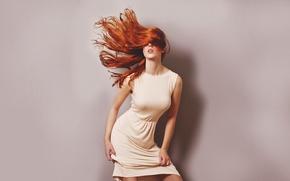 Картинка девушка, фон, волосы, платье, рыжая