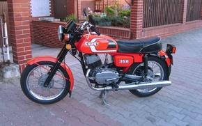 Картинка мотоцикл, тротуарная плитка, Двор, красный., ЧЗ-350