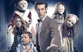 Картинка девушка, куклы, ситуация, шляпа, мальчик, шарф, актриса, актер, мужчина, Doctor Who, Доктор Кто, BBC, Мэтт …