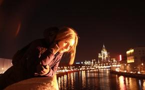 Картинка девушка, ночь, город, река, настроение, Москва, прогулка