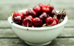 Обои макро, wallpapers, спелая, фон, красная, черешня, обои, сладкая, тарелка, ягоды, фото, витамины