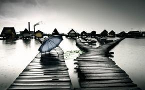Картинка озеро, дождь, дома, зонт, Hungary, Bokod