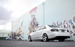 Картинка белый, граффити, тюнинг, Mercedes, задок, E Class