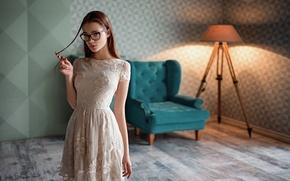 Картинка Девушка, Взгляд, Очки, Волосы, Платье, Красивая, Анна Дюжина