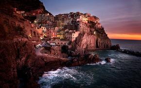 Обои волны, небо, вода, облака, пейзаж, закат, природа, city, город, океан, скалы, дома, waves, sky, ocean, ...