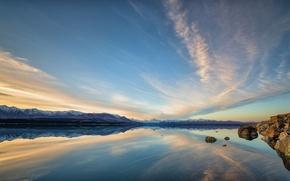 Картинка озеро, отражение, горы, облака, небо, скалы, камни