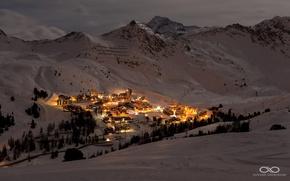 Обои пейзаж, ночь, горы, долина, курорт