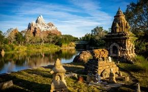 Картинка мост, пруд, парк, гора, Калифорния, США, декорации, Диснейленд, скульптуры, Анахайм