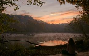 Обои утро, деревья, озеро, девушка, лес