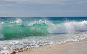 Обои волна, берег, пляж, песок, море, волны, вода, небо, пейзаж