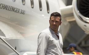 Обои кадр, Ben Affleck, рубашка, самолет, актер, Бен Аффлек, Runner Runner, Va-банк