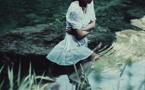 Картинка девушка, мокрая, в воде, холодно, Silent water