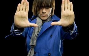 Обои стиль, стрижка, Джаред Лето, ладони, серый шарф, синее пальто, Jared Leto