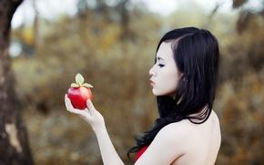 Обои азиатка, девушка, яблоко