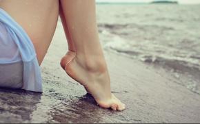 Картинка море, пляж, вода, девушка, ноги, берег