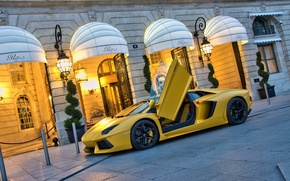 Картинка желтый, здание, Lamborghini, суперкар, supercar, yellow, aventador, lp700-4, ламборгини, авентадор, building