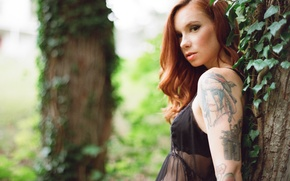 Картинка girl, blouse, trees, woman, beautiful, tree, model, tattoo, redhead, tattoos, Hattie Watson, female, arm