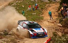 Картинка пыль, поворот, ford, rally, wrc, зрители, fiesta, lotos, robert kubica, rk m-sport