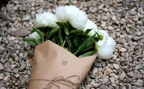 Картинка цветы, букет, белые, гравий, пионы, with love