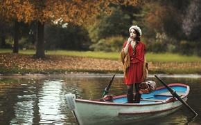 Картинка девушка, лодка, чемодан