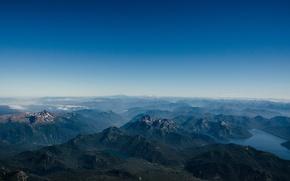 Обои небо, горы, туман, озеро, пейзхаж