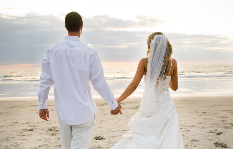 Фото обои пляж, любовь, океан, love, невеста, фата, свадьба, молодожены