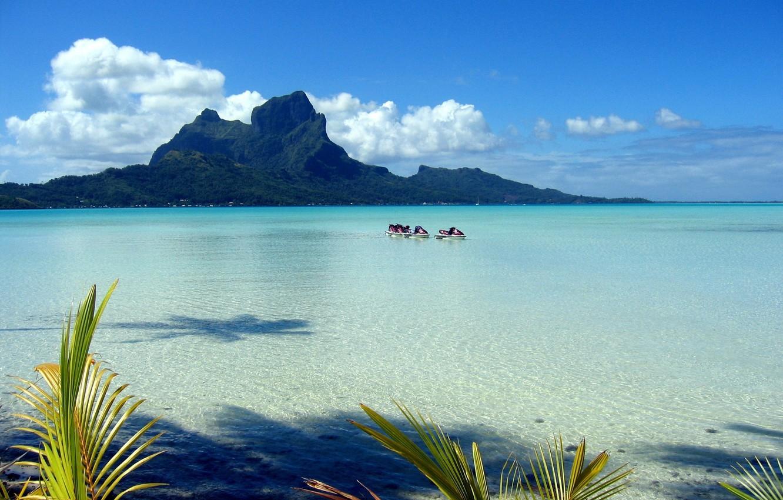 Фото обои море, небо, листья, облака, пальмы, берег, Полинезия