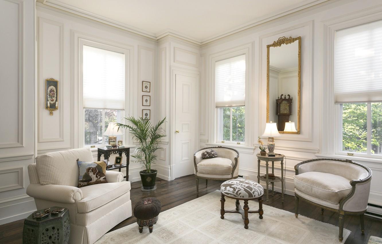 Фото обои стиль, диван, кресло, зеркало, вазон, гостиная