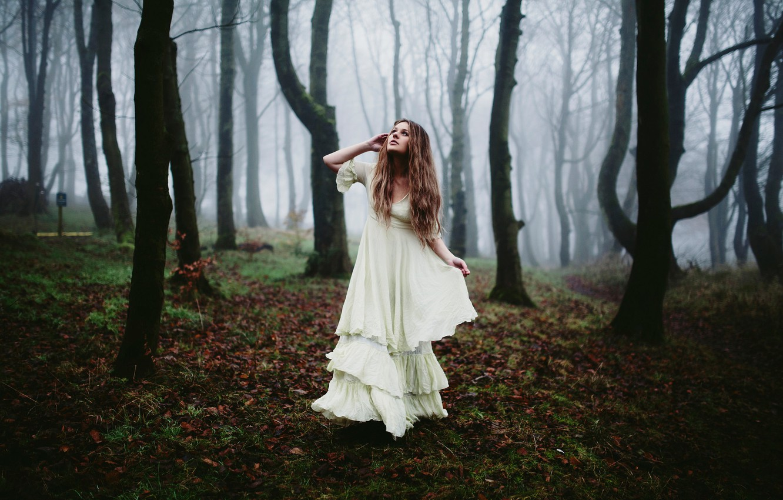 Девушки в лесу 16