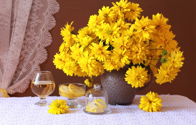 Фото обои желтый, лимон, бокал, букет, рудбекия