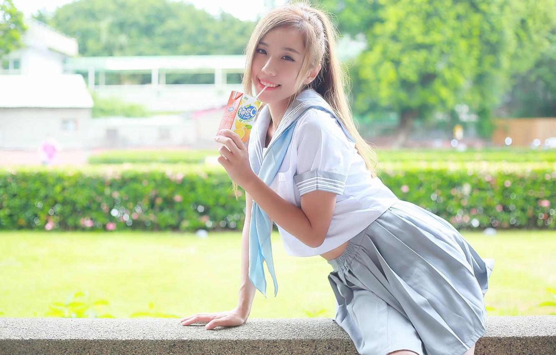 Фото обои лето, взгляд, лицо, улыбка, сок, азиатка