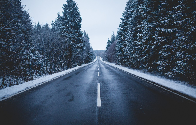 Фото обои зима, дорога, лес, небо, снег, деревья