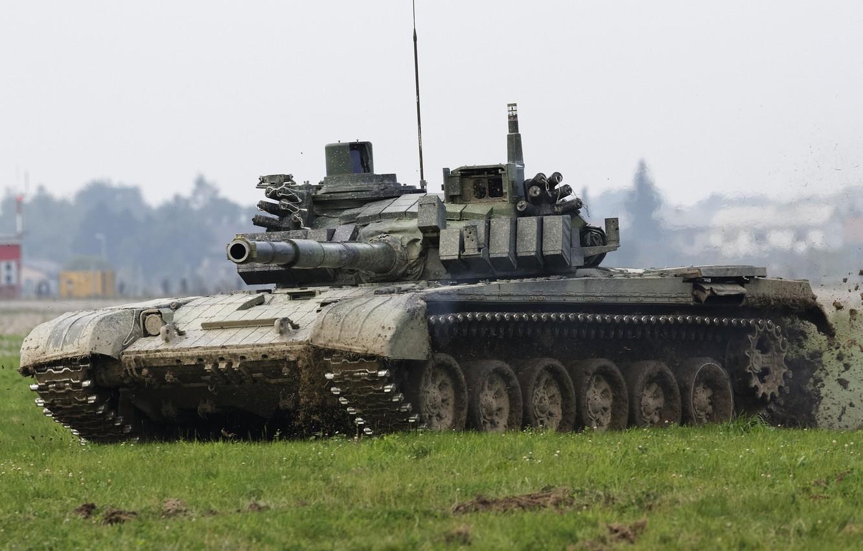 Фото обои поле, танк, боевой, бронетехника, Т-72