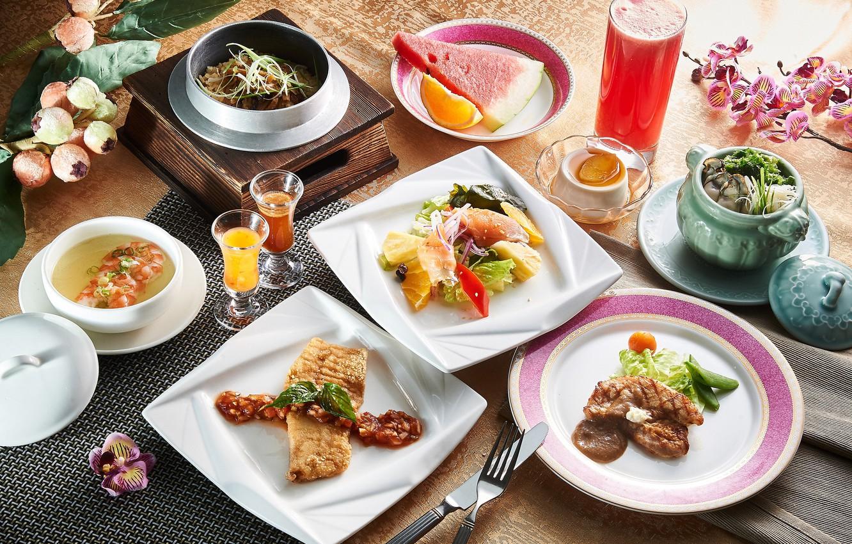 Фото обои сок, суп, мясо, десерт, салат, блюда, ассорти