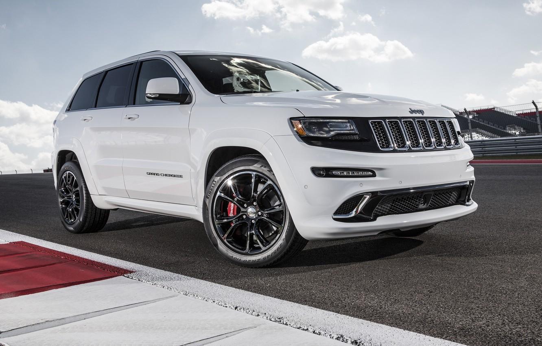 Фото обои машина, белый, трасса, джип, white, SRT, Jeep, Grand Cherokee