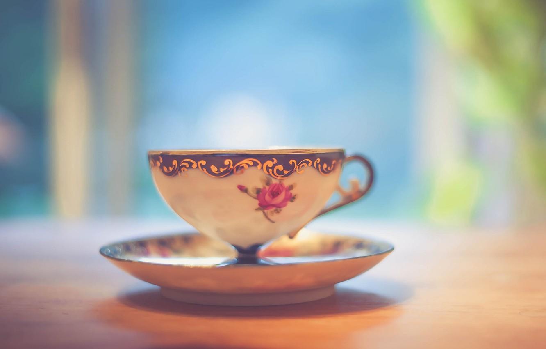 Фото обои light, wood, cup, bokeh, shadows, tea, table, feed, saucer, teacup, beverage
