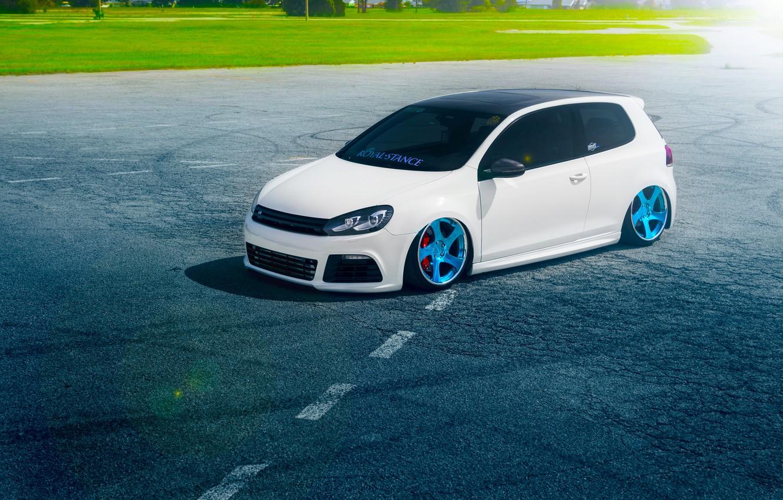 Фото обои Volkswagen, Grass, Blue, Sun, Color, White, Golf, Stance, Wheels, Royal, Beam, Panchito