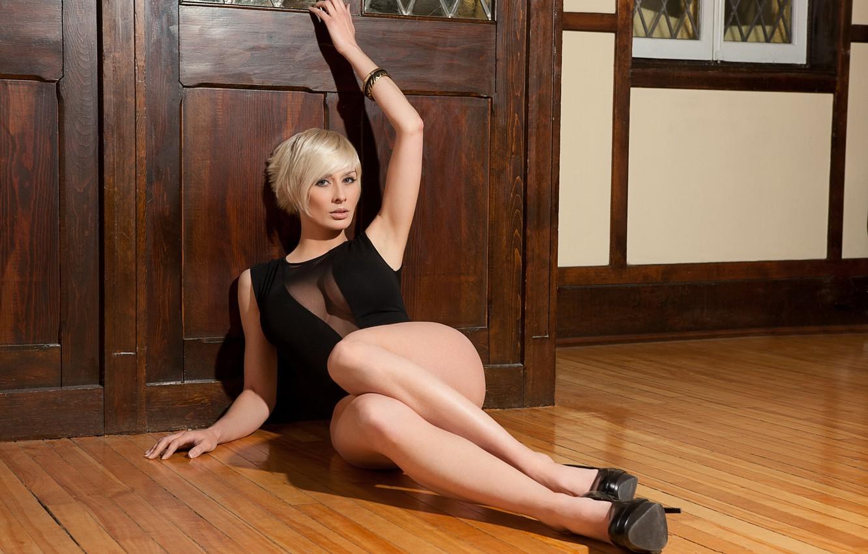 Фото обои модель, платье, блондинка, браслет, Marie Claude Bourbonnais