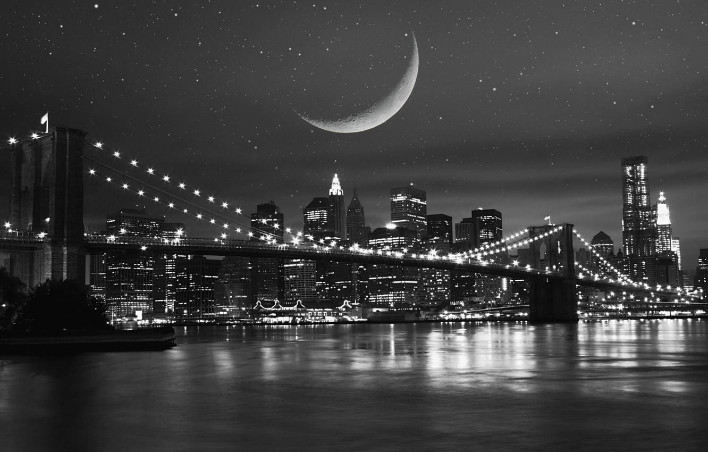 Фото обои небо, звезды, ночь, мост, city, город, lights, огни, отражение, река, луна, здания, дома, ч/б, moon, …