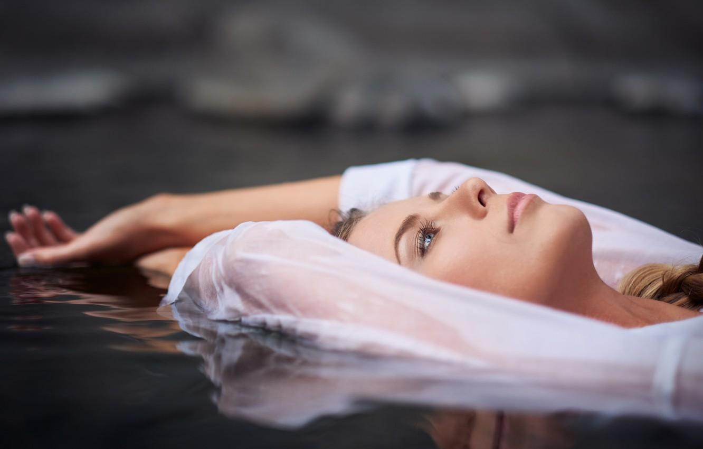 Фото обои вода, девушка, отдых, медитация