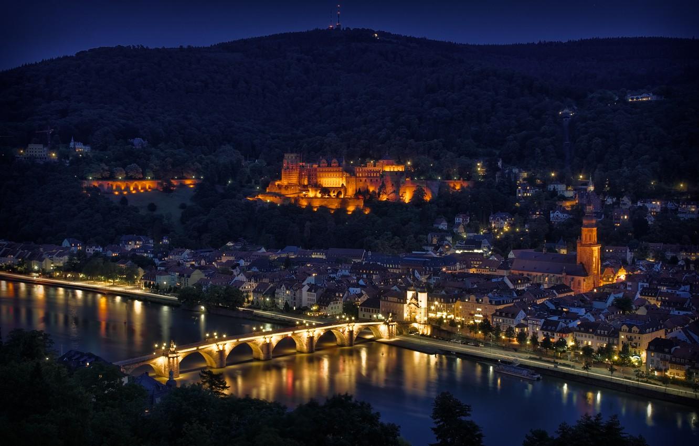 Фото обои ночь, мост, огни, отражение, река, вид, высота, Германия, подсветка, панорама, Хайдельберг