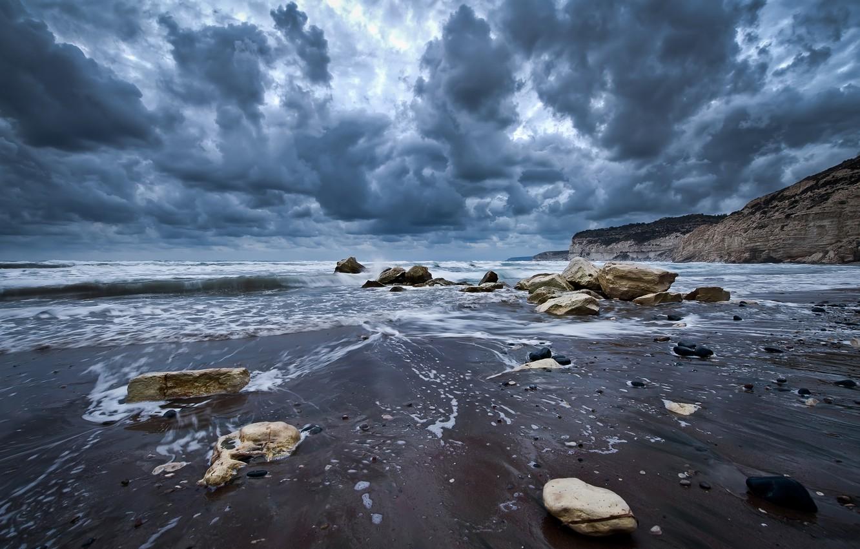 Фото обои волны, небо, вода, облака, пейзаж, природа, камни, океан, скалы, берег, waves, sky, ocean, landscape, nature, …