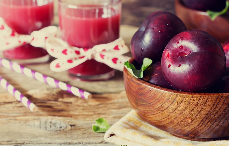 Фото обои листья, вода, капли, яблоки, полотенце, сок, стаканы, миска, фрукты, трубочки