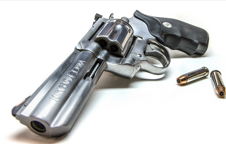 Фото обои пистолет, оружие, патроны, Colt King Cobra