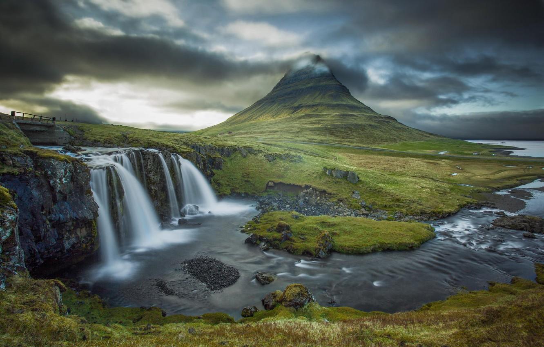 Фото обои облака, река, гора, водопад, вулкан, Исландия, Kirkjufell