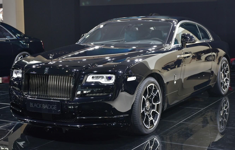 Фото обои Rolls-Royce, автосалон, Rolls-Royce Wraith Black Badge