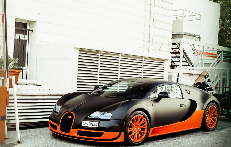 Фото обои дом, Bugatti, veyron, суперкар, суперспорт, supercar, black, бугатти, orange, вейрон, building, 16.4, supersport, черный. оранжевый
